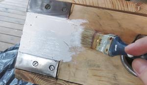 KROK IV - Malowanie drewna